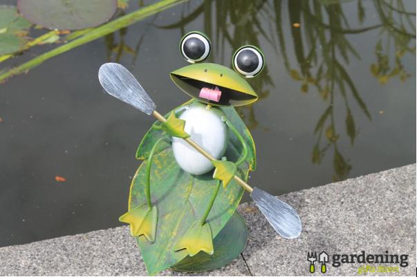 Surfin' Frog Metal Garden Ornament